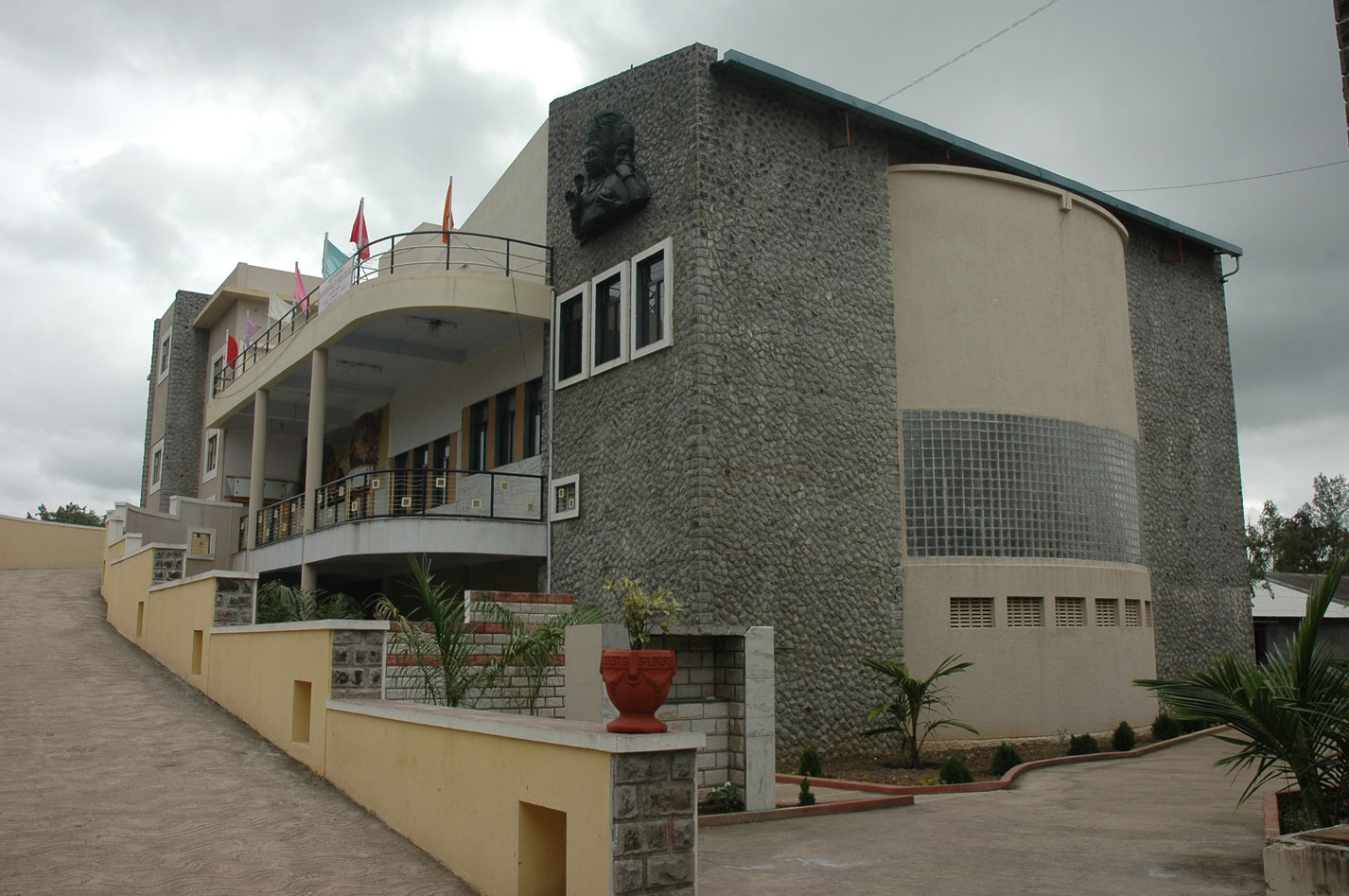 nkvs-mini-theater-and-junior-college-3